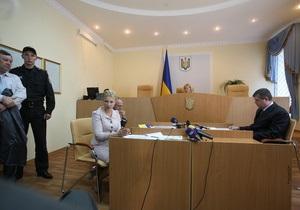 Во время перерыва заседания в зале Печерского суда произошла драка с участием нардепов