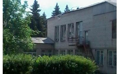 Ситуация в Славянске: снаряд попал в школу, люди прячутся в подвалах - соцсети