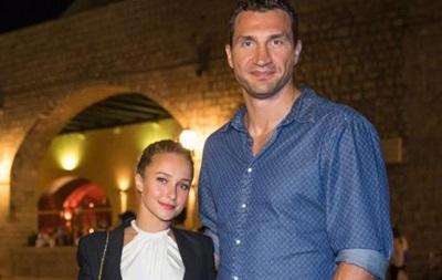 СМИ: Владимир Кличко и его невеста ждут ребенка