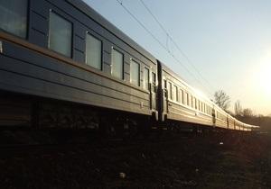 В Черниговской области под колесами поезда погиб 26-летний мужчина