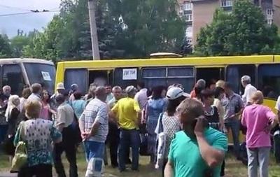 Военные не знают, куда вывезли из Славянска  200 детей