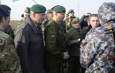 С похищенными под Донецком наблюдателями ОБСЕ установить контакт не удается