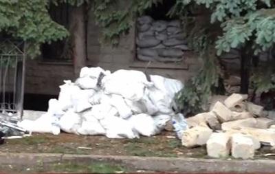 В Торезе Донецкой области взорвано здание местного СБУ