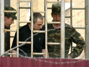 Ходорковского посадили в карцер за переписку с Акуниным