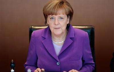 Меркель поужинает с Порошенко