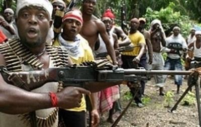 В Нигерии переодетые в армейскую форму боевики убили 200 человек
