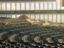 В Европарламенте обвалился потолок