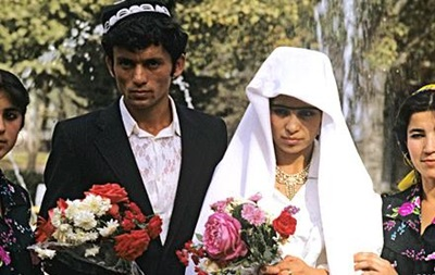 Граждан Таджикистана хотят проверить на нравственность