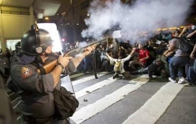 ЧМ 2014: Бразильская полиция разгоняет протестующих слезоточивым газом