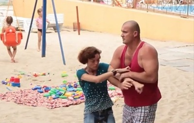 В Одессе охрана пляжа напала на съемочную группу местного канала