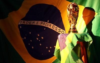 Чемпионский старт: Испания и Голландия повторят финал ЧМ-2010