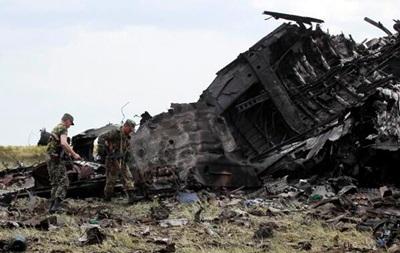 В сбитом Ил-76 в Луганске должны были лететь 200 человек - источник