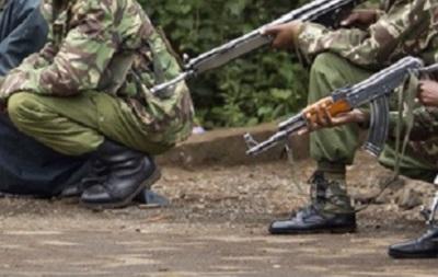 Исламисты сожгли отели и открыли огонь по людям в Кении