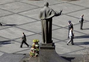 С начала года в Украине существенно выросла средняя зарплата
