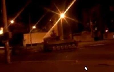 По Мариуполю проехала колонна военной техники