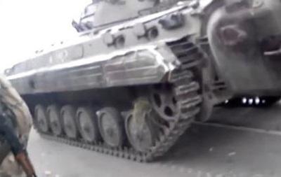 В Луганске  ополченцы  захватили БМД