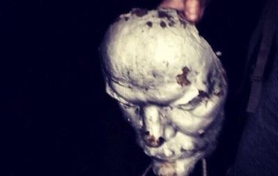 В Херсонской области повредили два памятника Ленину