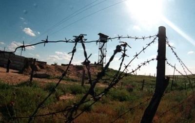 Украинские военные укрепляют блокпосты на вьездах в Крым - СМИ