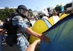 новости Киева - Спільна справа: Беркут снес палатки на Софийской площади и задержал пятерых активистов