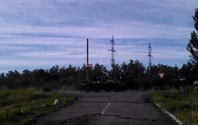 В сторону Славянска проехала колонна техники  - видео
