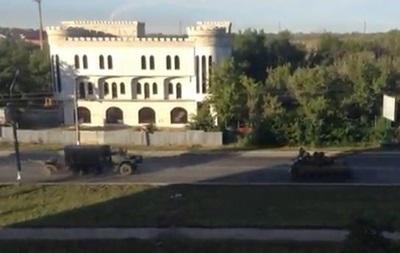 Видео передвижения колонны боевой техники в сторону Луганска
