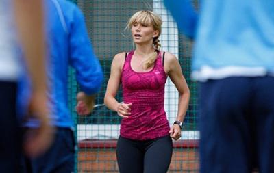 Днепр готовится к сезону под присмотром женщины-тренера по фитнесу