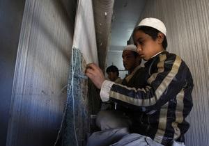 В Пакистане подросток поджег себя из-за отказа родителей купить ему школьную форму
