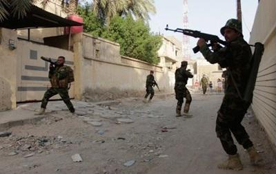 Боевики в Ираке напали на тюремный конвой, более 70 человек убиты