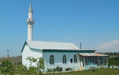 Неизвестные захватили в Крыму исламскую школу с учениками - СМИ