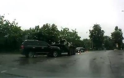 В Харькове произошла авария с участием БТР