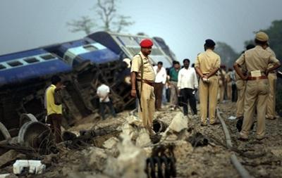 В Индии поезд сошел с рельсов: четверо погибли