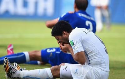 Норвежский любитель футбола угадал, что Суарес укусит соперника