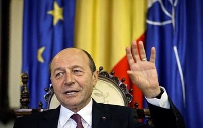В Румынии парламент проголосовал за отставку президента