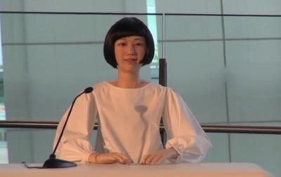 Японцы показали андроида, который может работать диктором новостей на всех языках