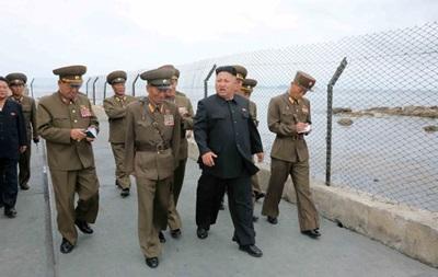 СМИ: Ким Чен Ын лично руководил испытанием новых тактических ракет