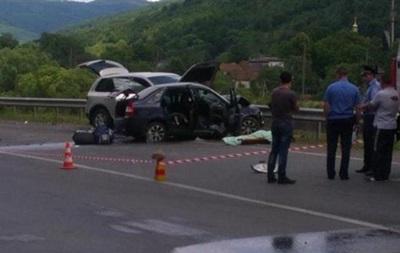 На Закарпатье столкнулись Volkswagen и Lada, трое погибших