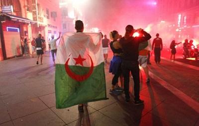 Победу Алжира над Россией бурно отпраздновали в Марселе