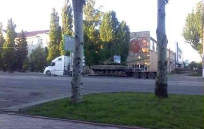 В центре Луганска снова видели танк - СМИ