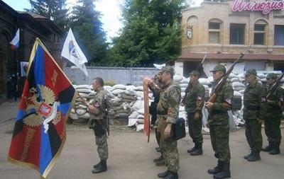 Стрелков освятил в храме знамя добровольческого батальона Славянска