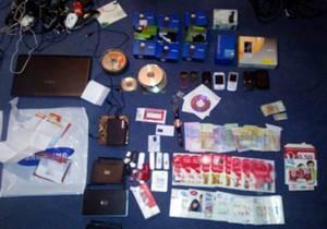 Милиция задержала мошенников-иностранцев, которые подделывали платежные карты и заработали более $40 тысяч