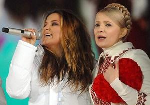 Тимошенко: Артисты участвуют в акции С Украиной в сердце не за деньги, а по любви