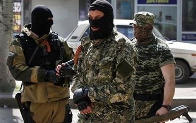 Часть прибывших сепаратистов осталась в Донецке, часть - покинула город
