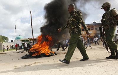 В Кении 29 человек погибли во время двойного нападения на торговые центры
