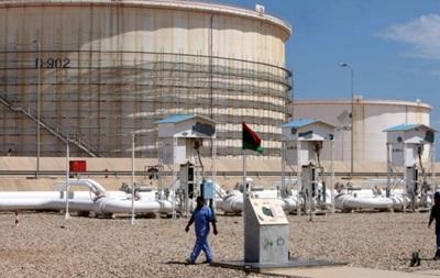 В Ливии два нефтяных порта возобновляют работу после почти года блокады