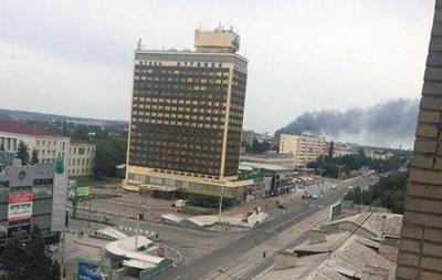 Из-за обстрелов в Луганске и области повреждено 11 домов