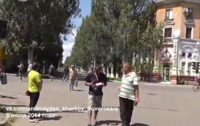 Видеорепортаж: как активисты везут гуманитарку в Славянск