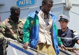 Голландский корабль ликвидировал базу сомалийских пиратов
