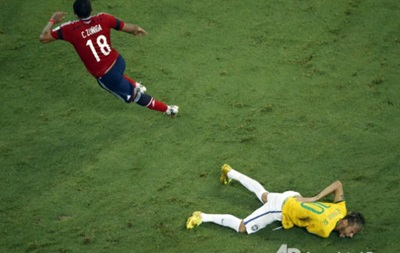 FIFA не будет наказывать Суньигу за фол против Неймара