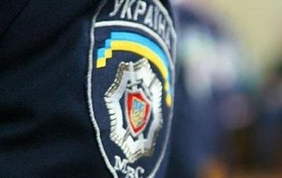 В Луганске вооруженные люди во главе с  министром  ЛНР похитили майора милиции