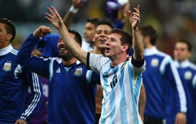 Фотогалерея: Лучшие кадры матча Аргентина - Голландия